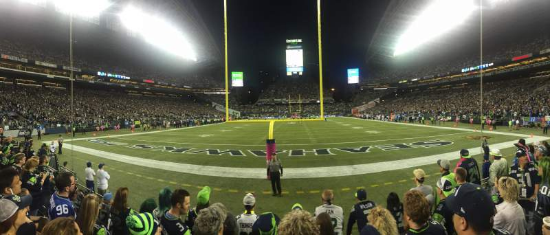 CenturyLink Field, section: 122, row: E, seat: 8