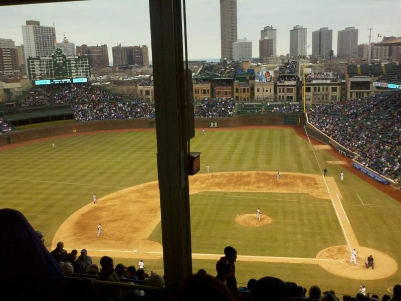 Seating view for Wrigley Field Section 413L Row 6 Seat 3