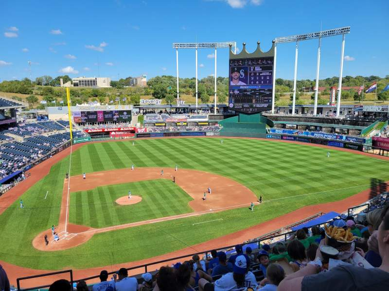 Seating view for Kauffman Stadium Section 427 Row J Seat 2