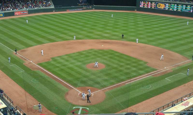 Seating view for Target Field Section 214 Row 6 Seat 12