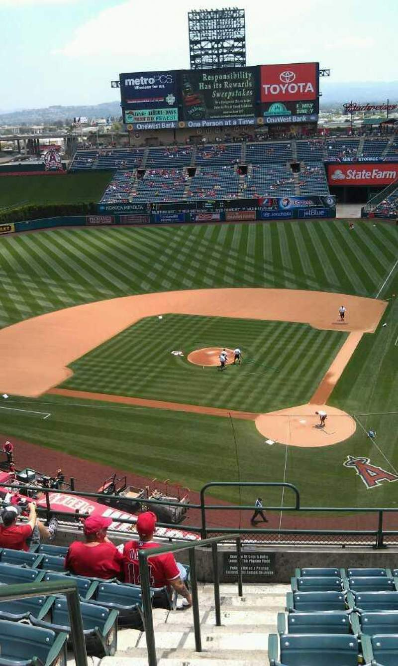 Seating view for Angel Stadium Section 416 Row j Seat 1