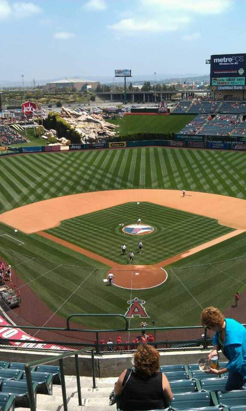 Seating view for Angel Stadium Section V419 Row j  Seat 1