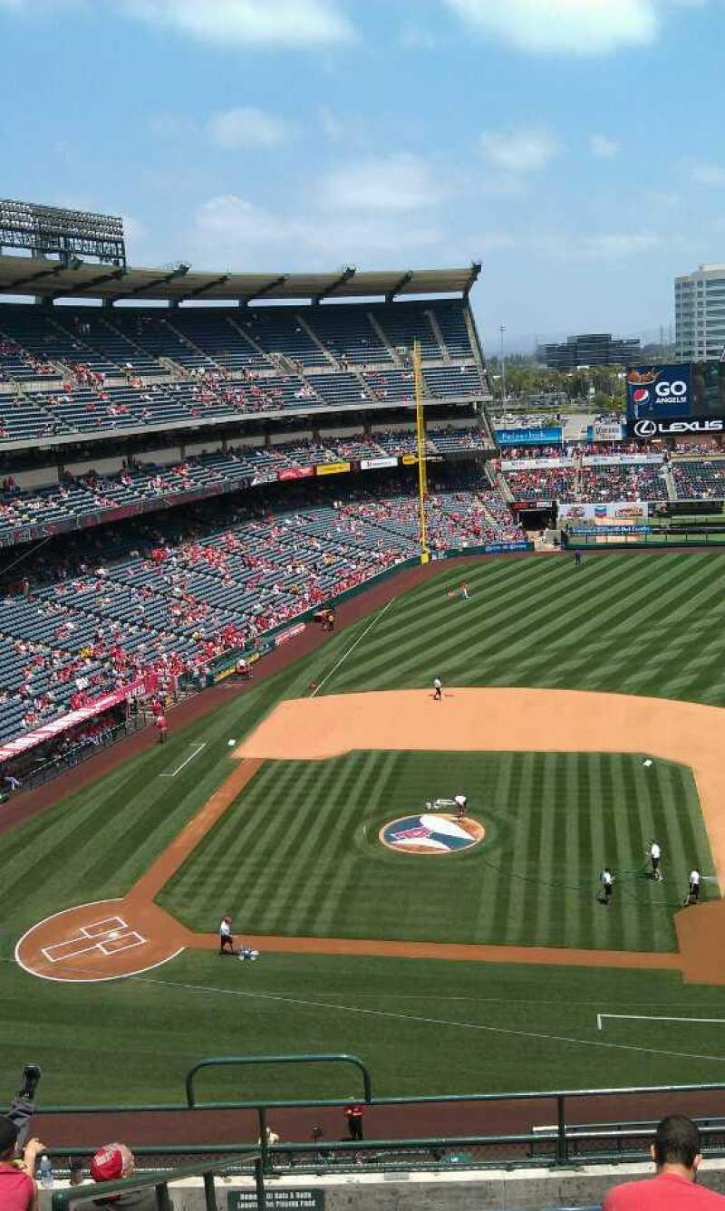 Seating view for Angel Stadium Section V425 Row j  Seat 1