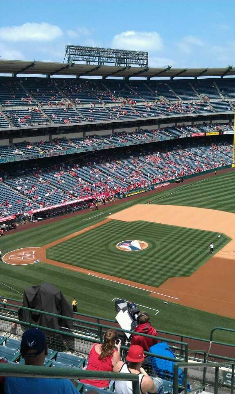 Seating view for Angel Stadium Section V427 Row j Seat 1