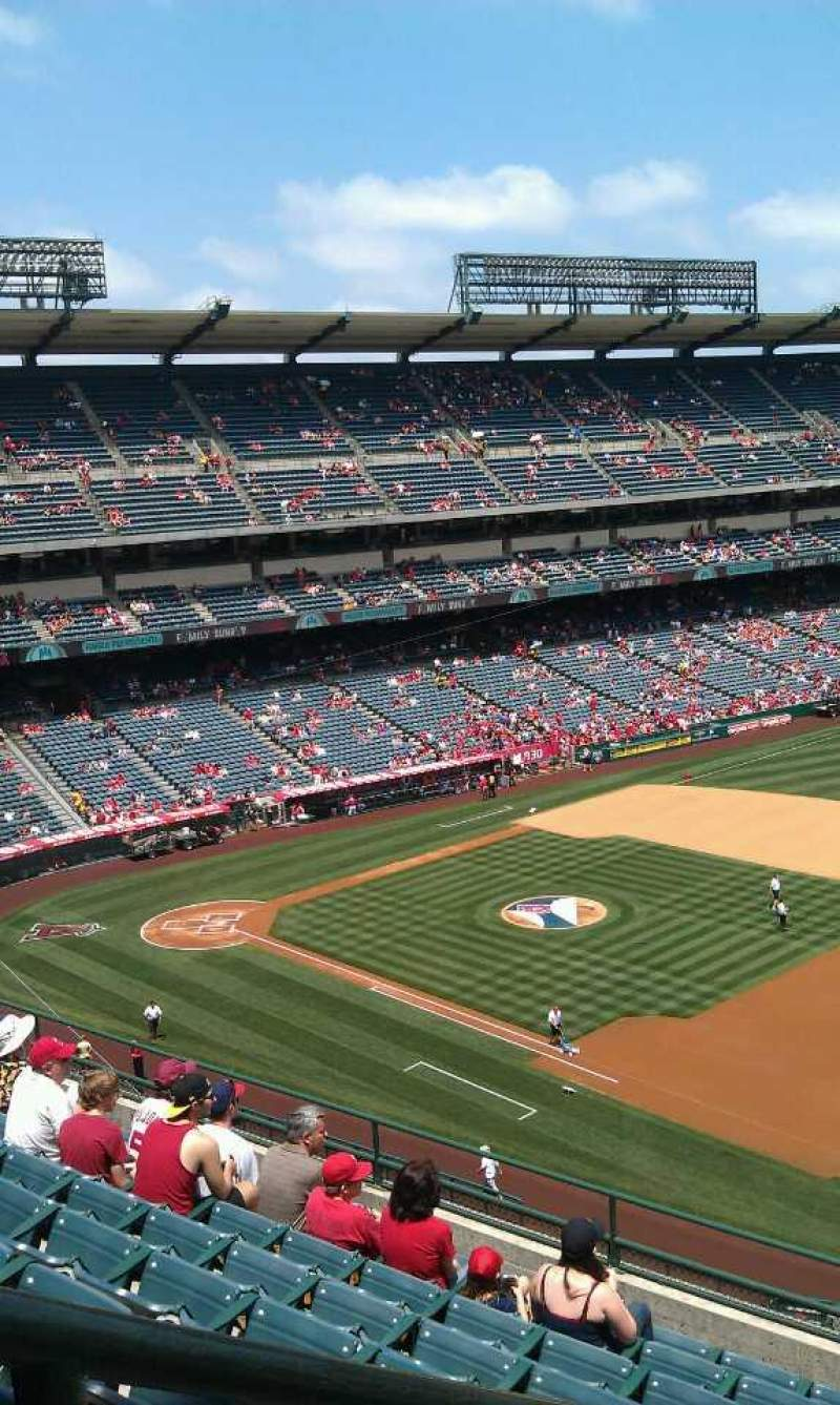 Seating view for Angel Stadium Section V428 Row j Seat 1