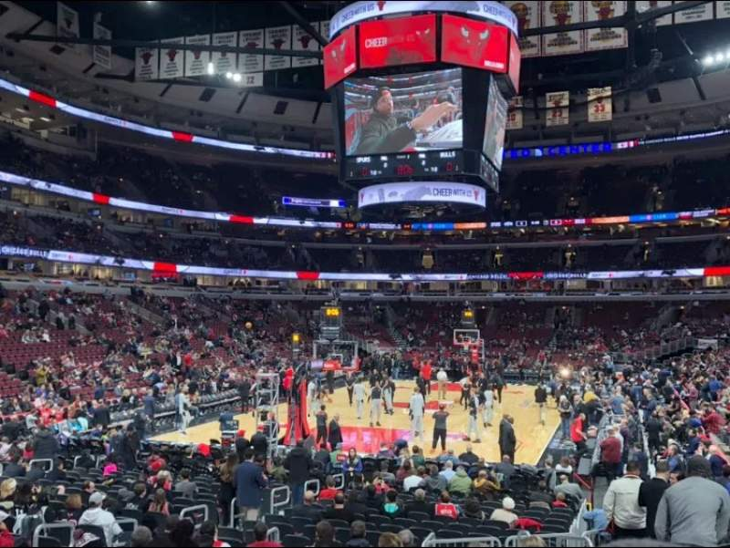 Seating view for United Center Section 105 Row 13 Seat 1