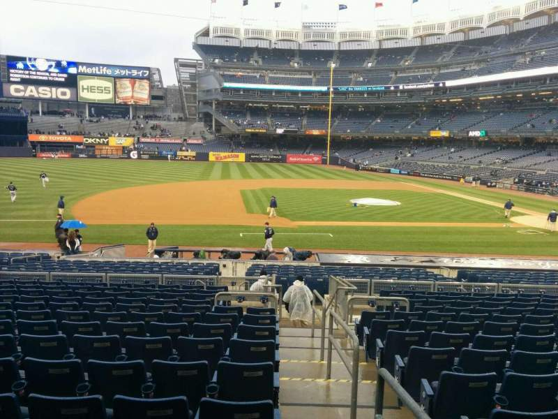Seating view for Yankee Stadium Section 125 Row 25 Seat 1