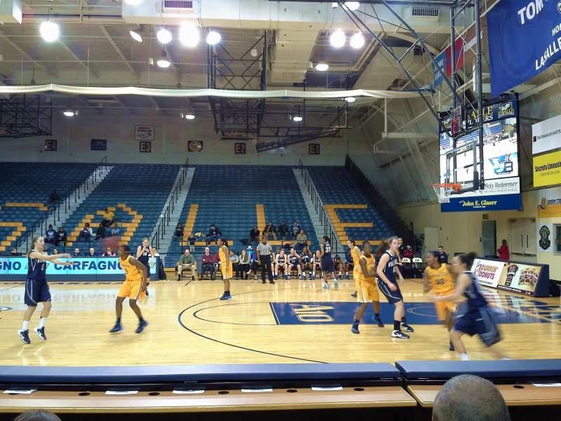Tom Gola Arena, section: W2, row: 2