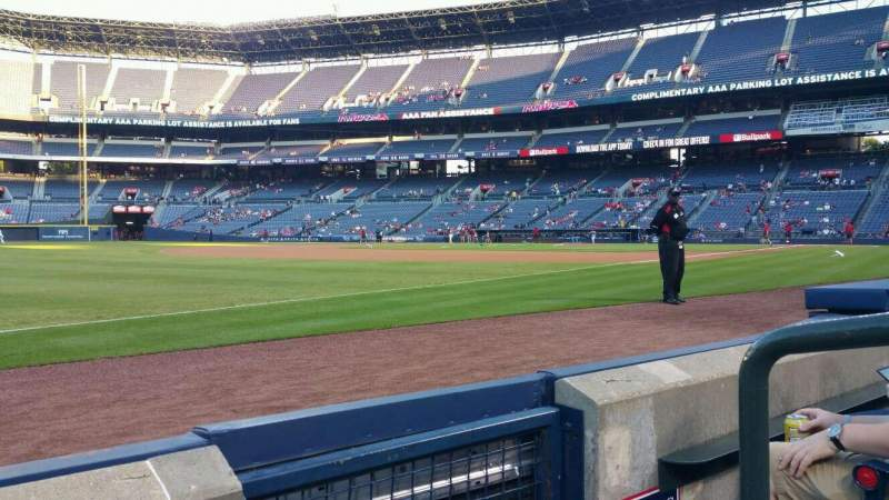 Seating view for Turner Field Section 122L Row 2 Seat 1