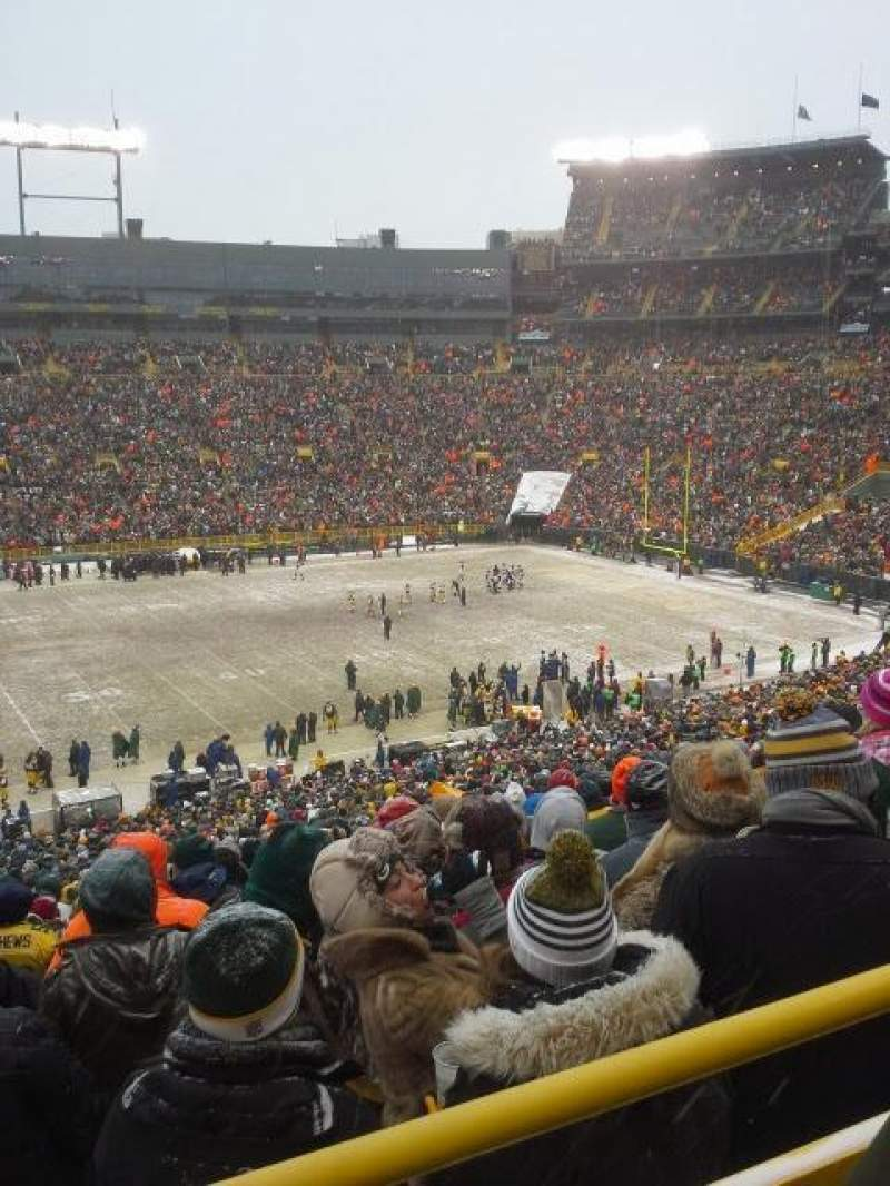 Seating view for Lambeau Field Section 324