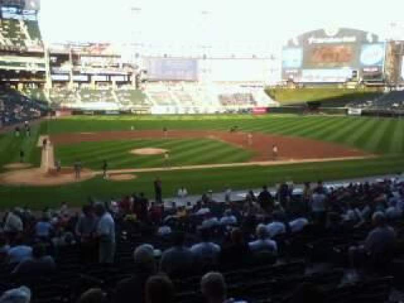 Seating view for Guaranteed Rate Field Section 128