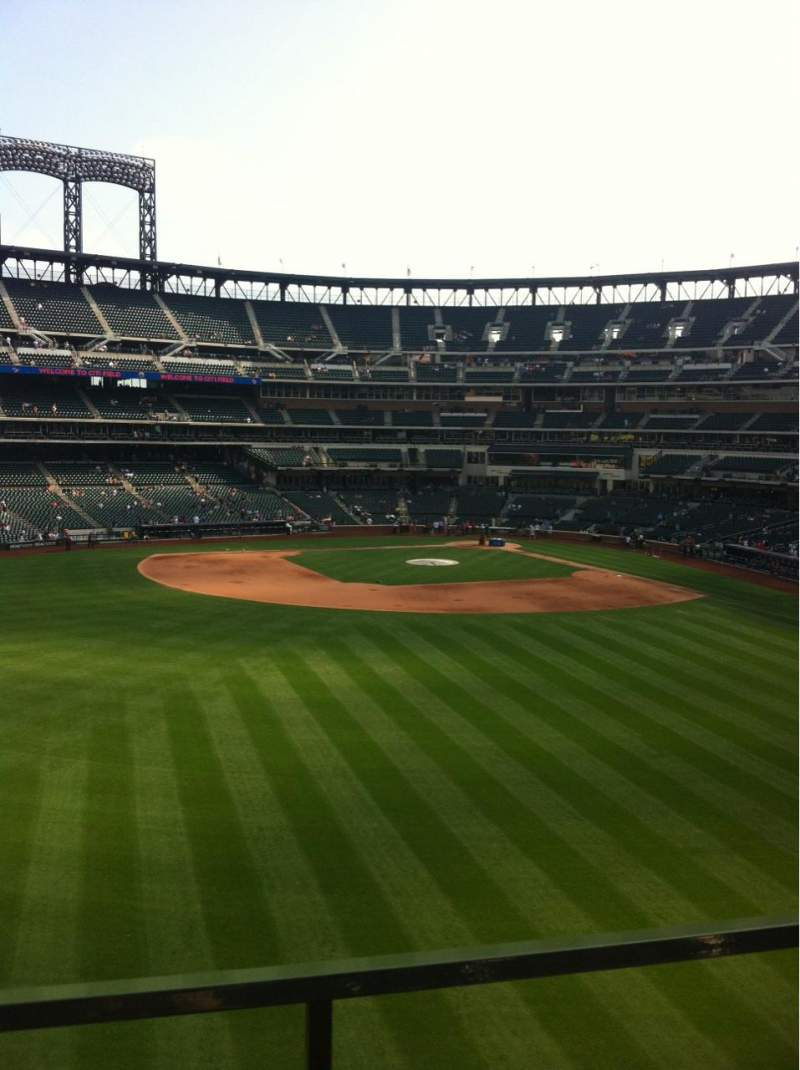 Seating view for Citi Field Section 337 Row 1 Seat 17