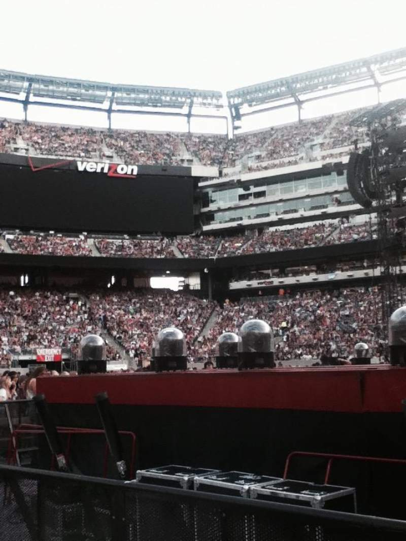 Seating view for MetLife Stadium Section 9 Row 21 Seat 3