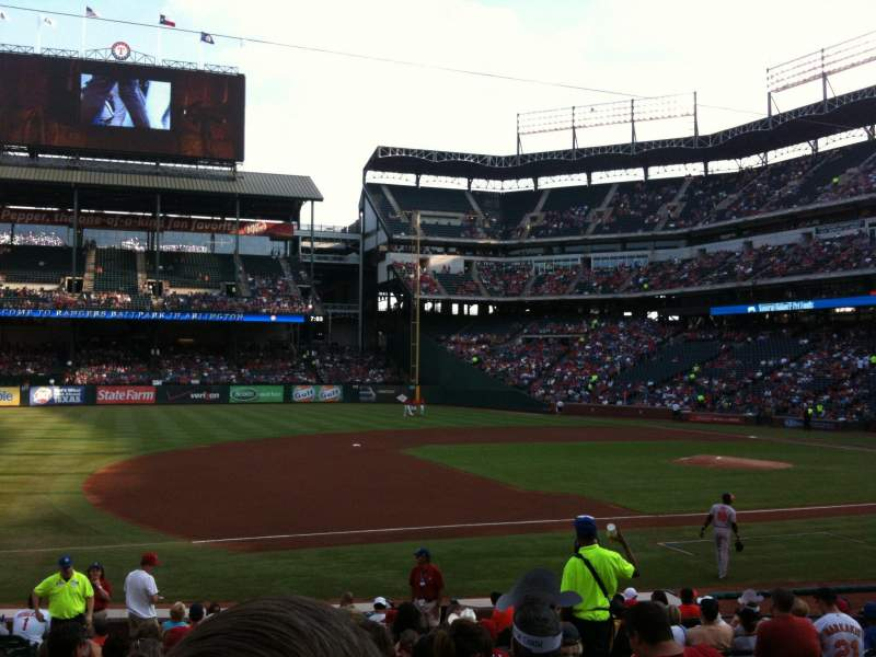 Seating view for Globe Life Park in Arlington Section 17 Row 15 Seat 10
