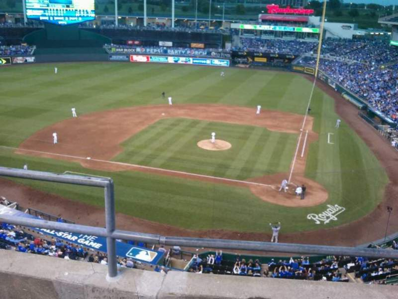 Seating view for Kauffman Stadium Section 415 Row C Seat 2
