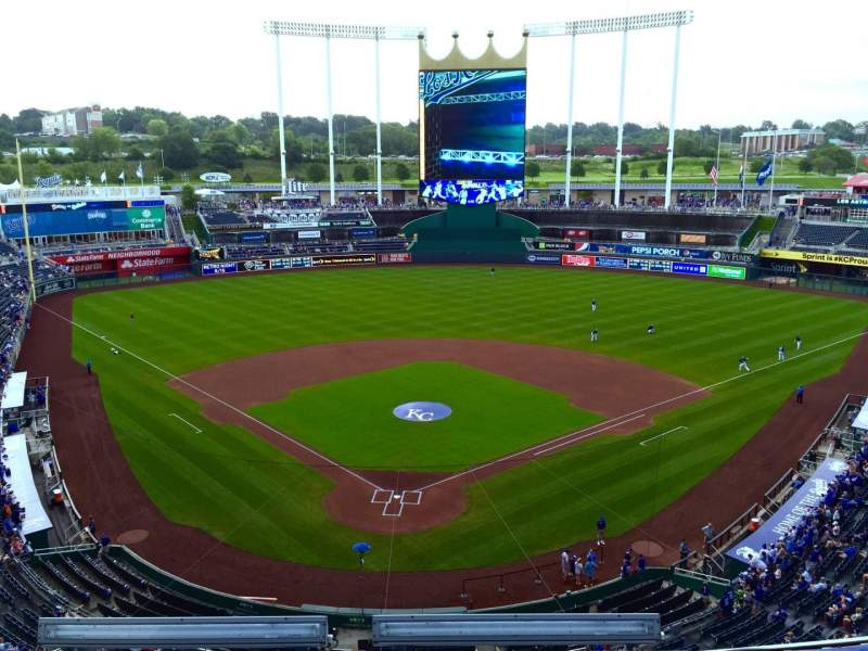 Seating view for Kauffman Stadium Section 421 Row H Seat 5