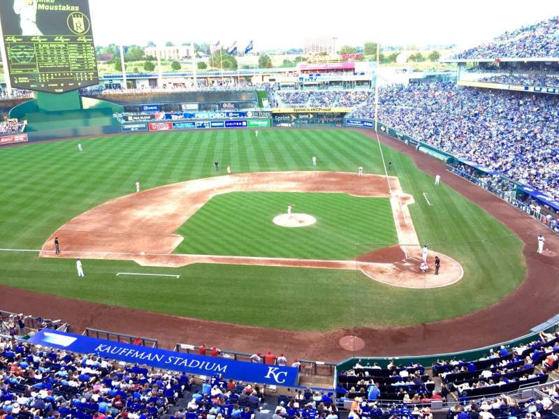 Seating view for Kauffman Stadium Section 413 Row A Seat 16