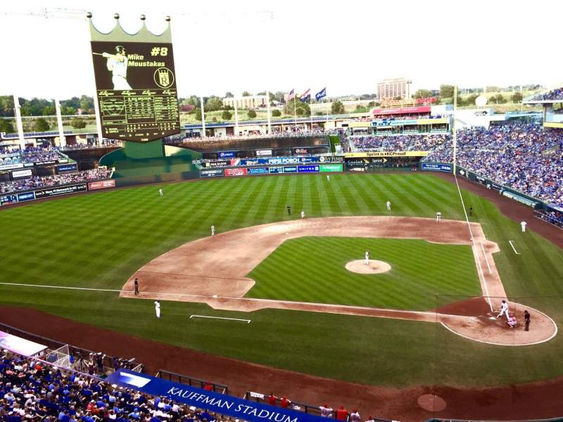 Seating view for Kauffman Stadium Section 413 Row A Seat 18