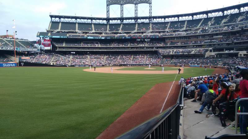 Seating view for Citi Field Section 30 Row 17 Seat 9