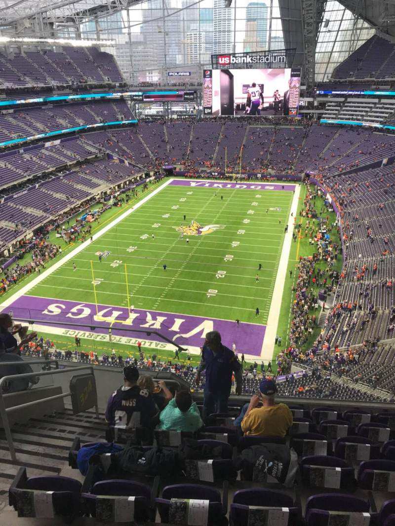 Seating view for U.S. Bank Stadium Section 324 Row 8 Seat 12