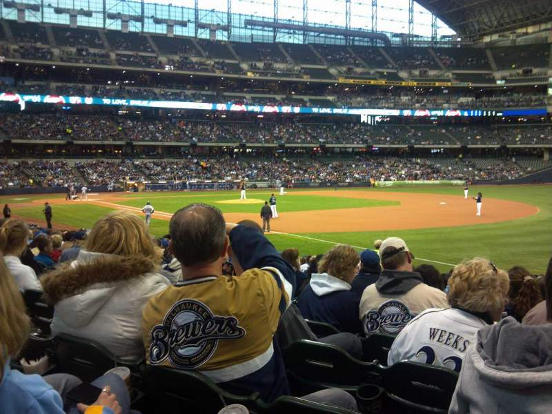 Seating view for Miller Park Section 109 Row 19 Seat 11