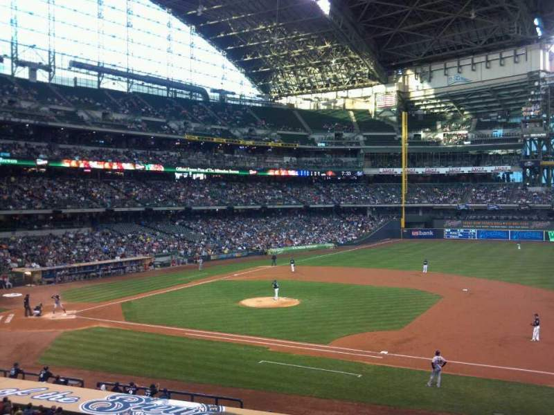 Seating view for Miller Park Section 212 Row 3 Seat 17