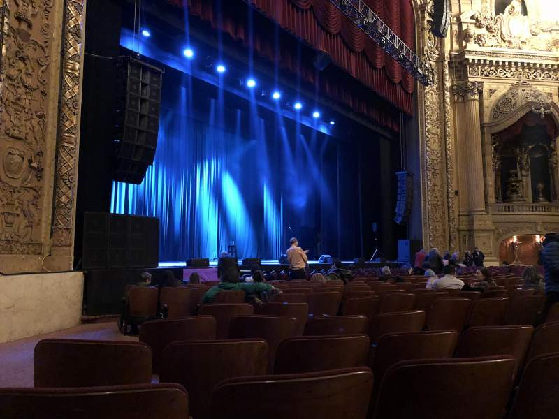 Seating view for Chicago Theatre Section MNFL2L Row NN Seat 219