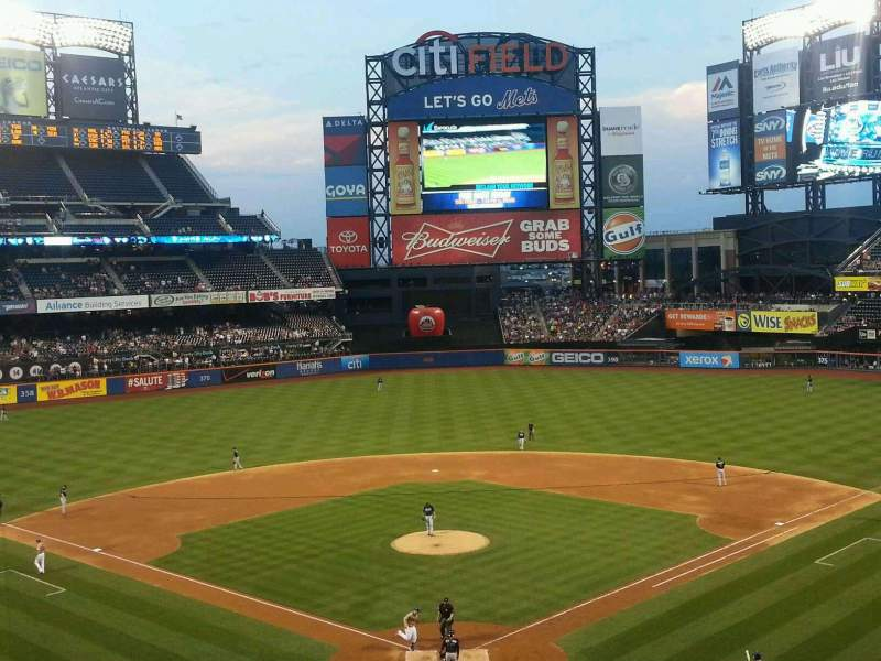 Seating view for Citi Field Section 319 Row 1 Seat 8
