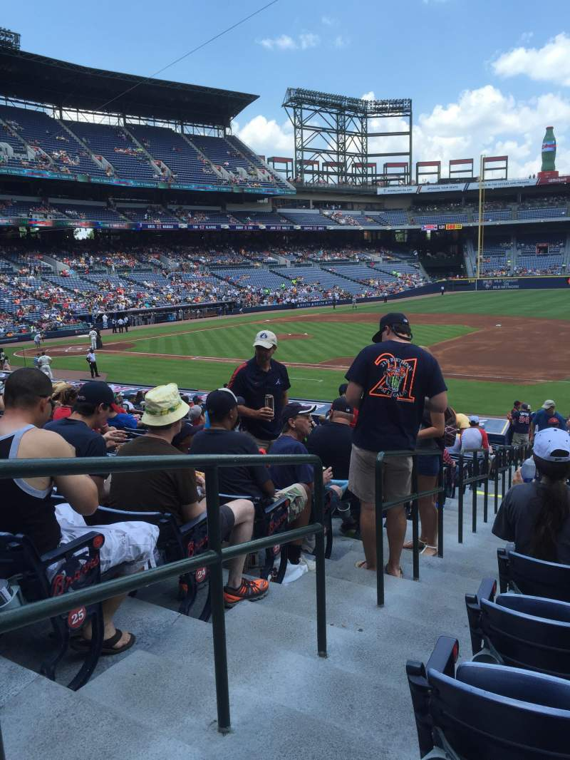 Seating view for Turner Field Section 117R Row 27 Seat 1