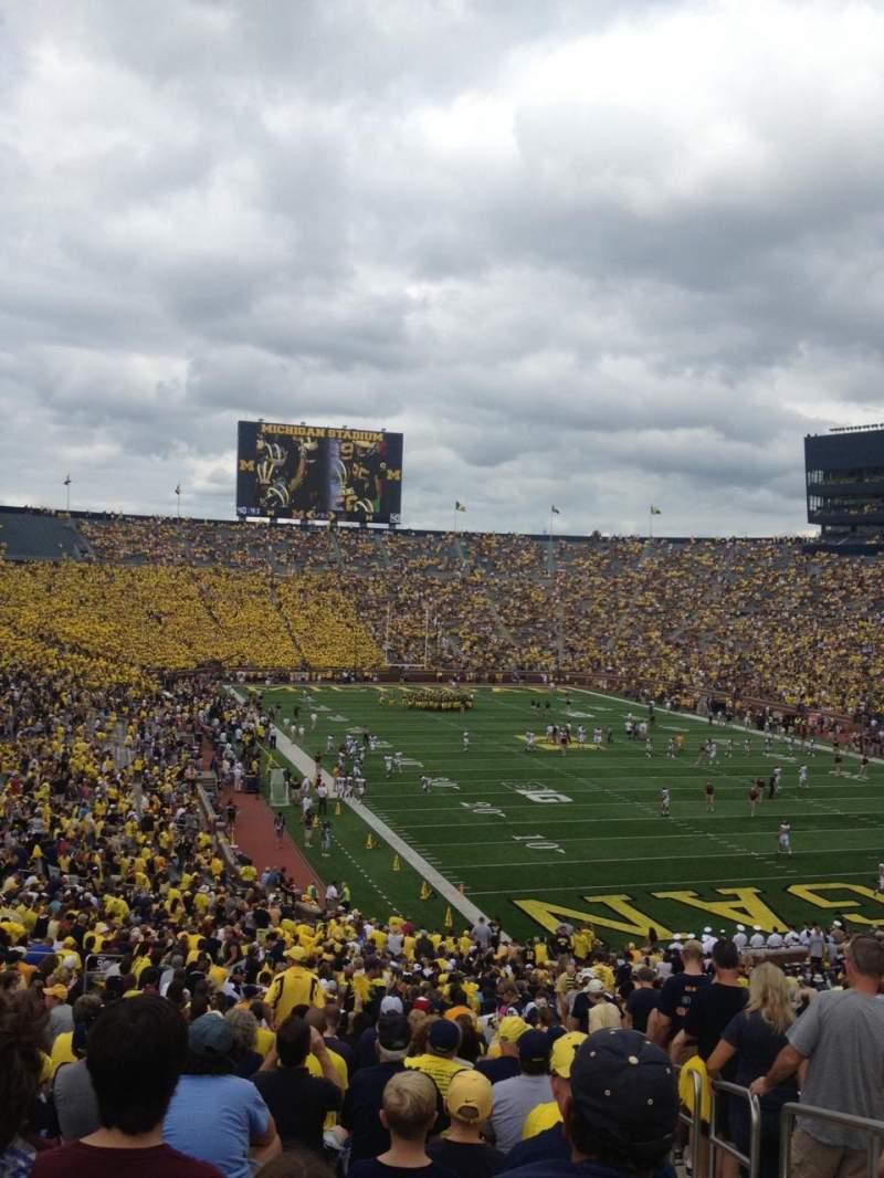 Seating view for Michigan Stadium Section 15 Row 59 Seat 15