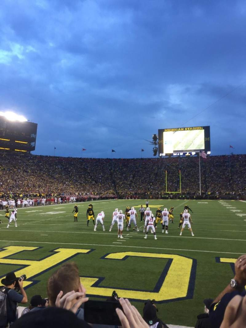 Seating view for Michigan Stadium Section 33 Row 1 Seat 9