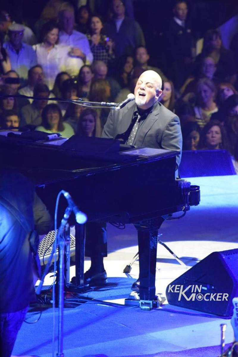 Billy joel concert tour photos - Billy joel madison square garden february 21 ...