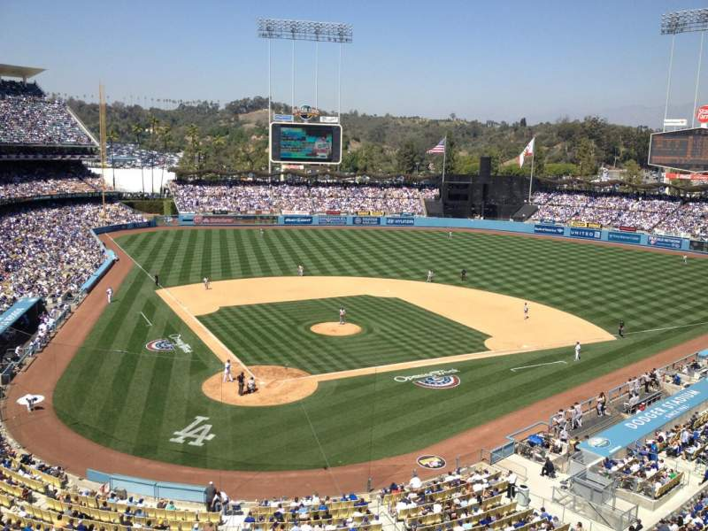 Seating view for Dodger Stadium Section 4rs Row A Seat 15