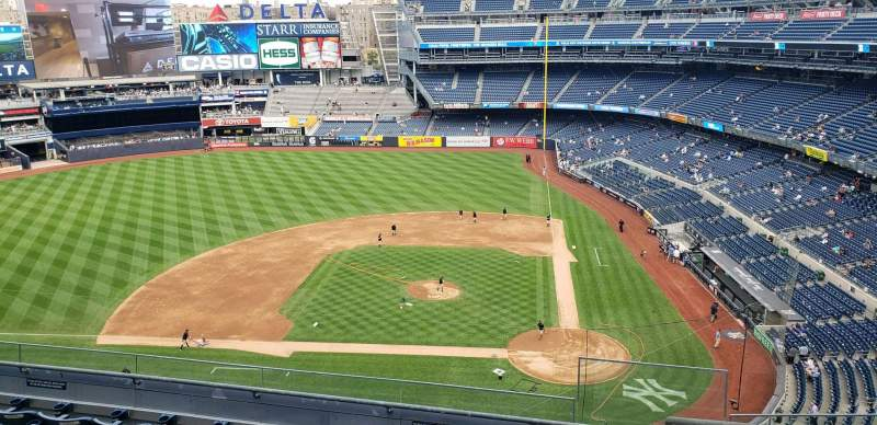 Seating view for Yankee Stadium Section 323 Row 6 Seat 1
