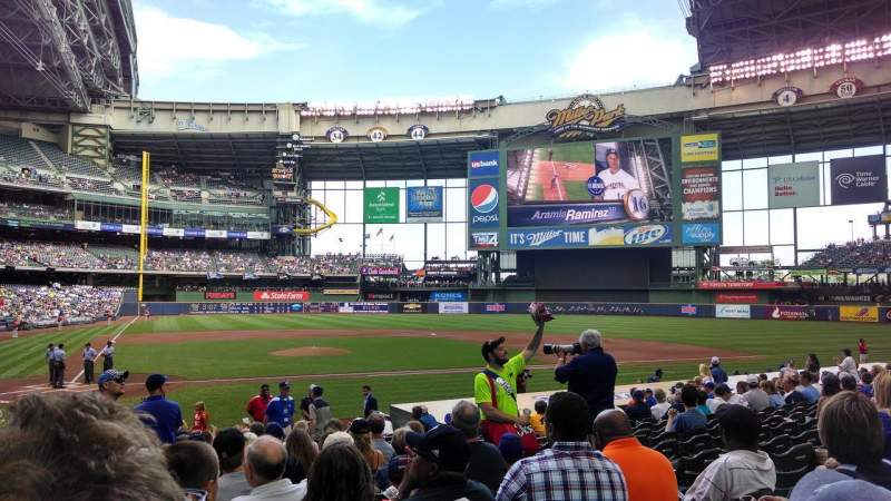 Seating view for Miller Park Section 115 Row 17 Seat 9
