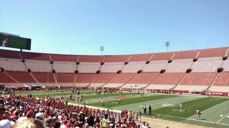 Seating view for Los Angeles Memorial Coliseum Section 4H Row 25 Seat 113