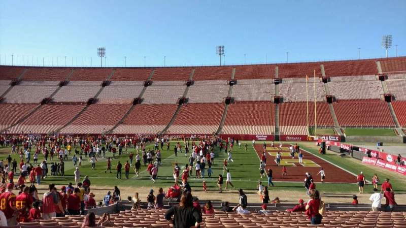 Seating view for Los Angeles Memorial Coliseum Section 4H Row 20 Seat 112