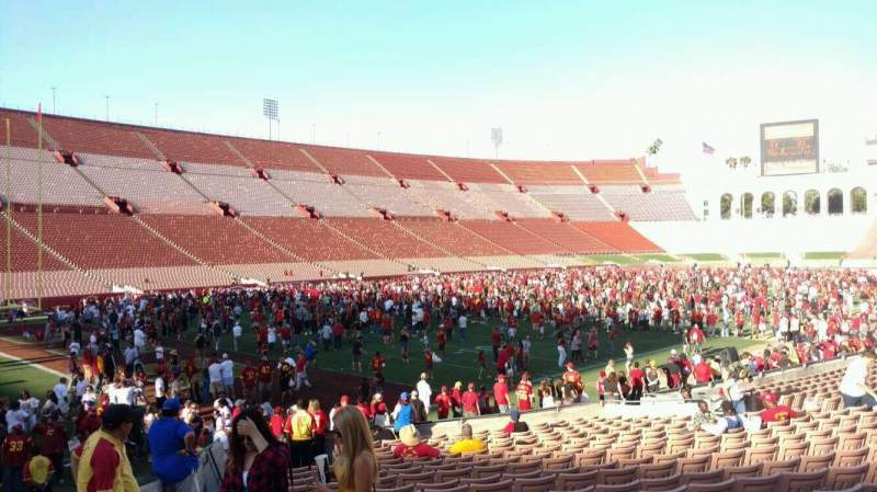 Seating view for Los Angeles Memorial Coliseum Section 10H Row 20 Seat 101