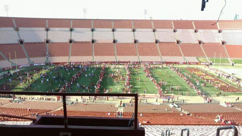 Seating view for Los Angeles Memorial Coliseum Section 7H Row 77 Seat 101