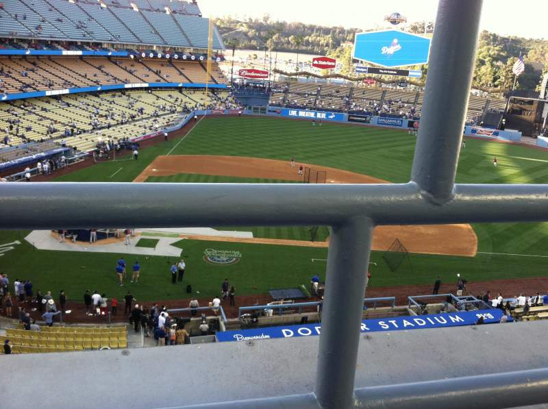 Seating view for Dodger Stadium Section 10RS Row A Seat 19