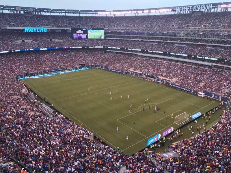 MetLife Stadium, section: 306, row: 5, seat: 20