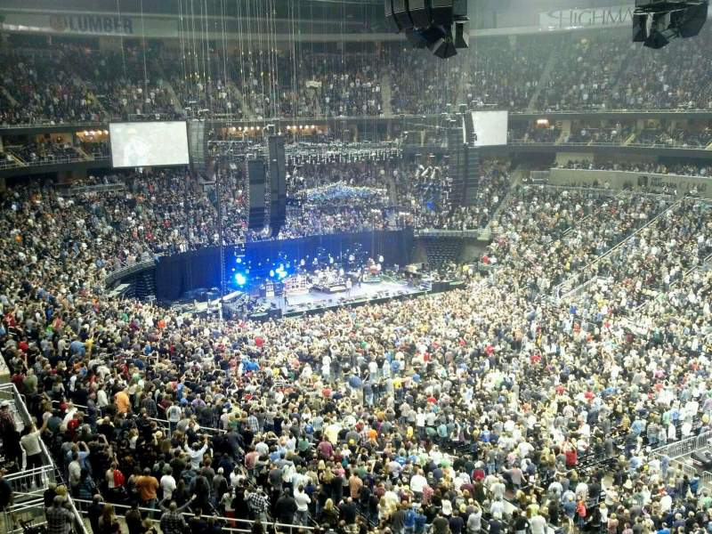 Concert photos at ppg paints arena for Hotels close to ppg paints arena