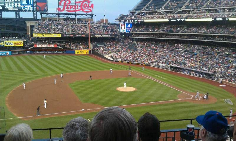 Seating view for Citi Field Section 327 Row 3 Seat 23