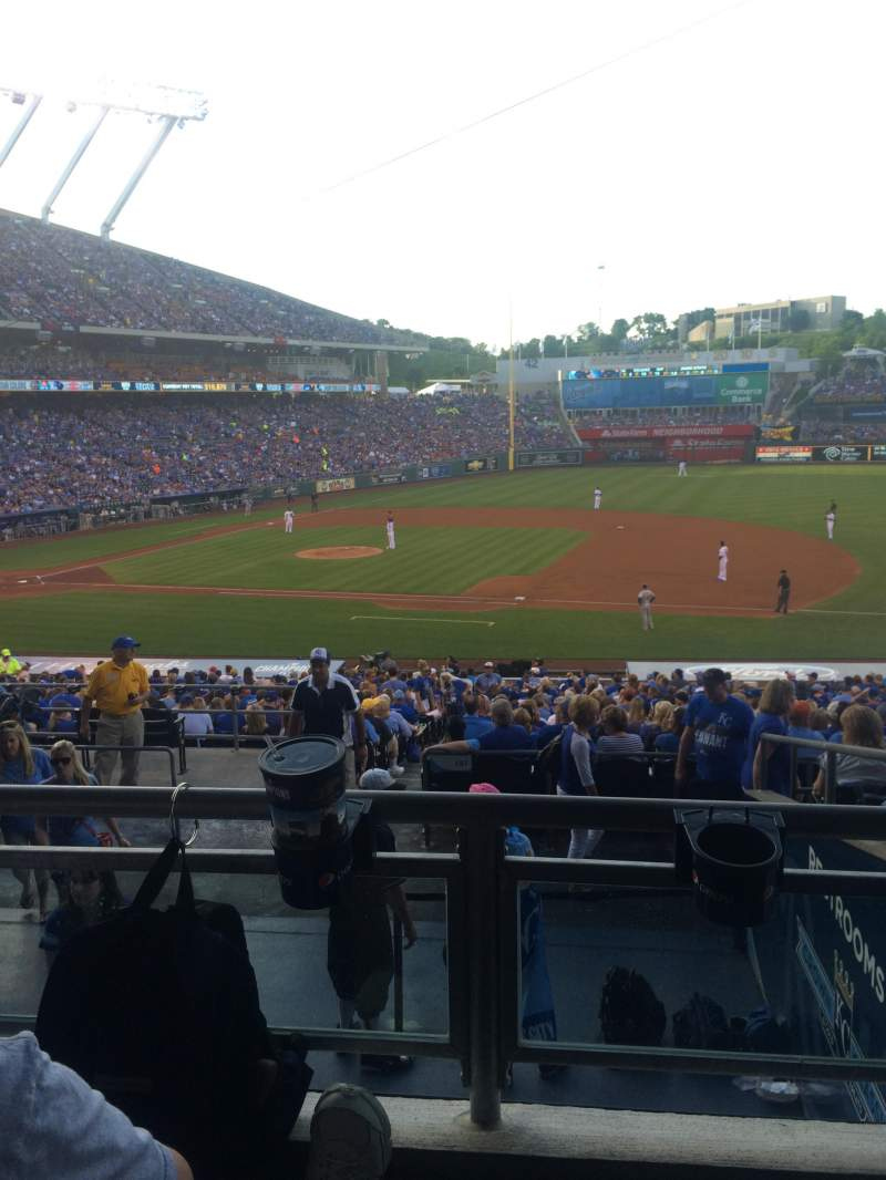Seating view for Kauffman stadium Section 237 Row JJ Seat 3