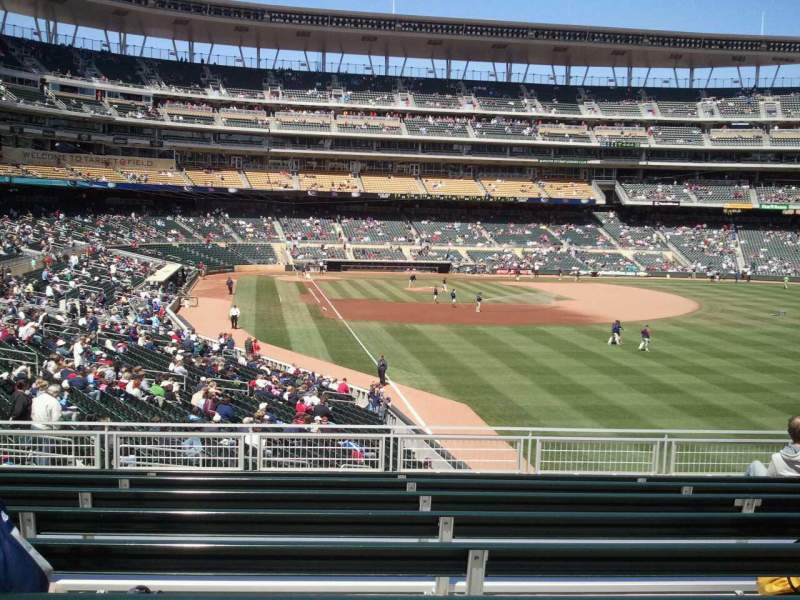 Seating view for Target Field Section 140 Row 9 Seat 17