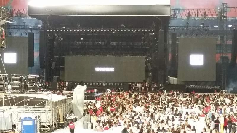 Hard Rock Stadium, section: 140, row: 16, seat: 9