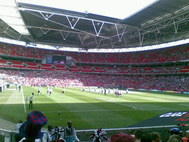 wembley stadium section 137 row 9 seat 90 burnley fc. Black Bedroom Furniture Sets. Home Design Ideas
