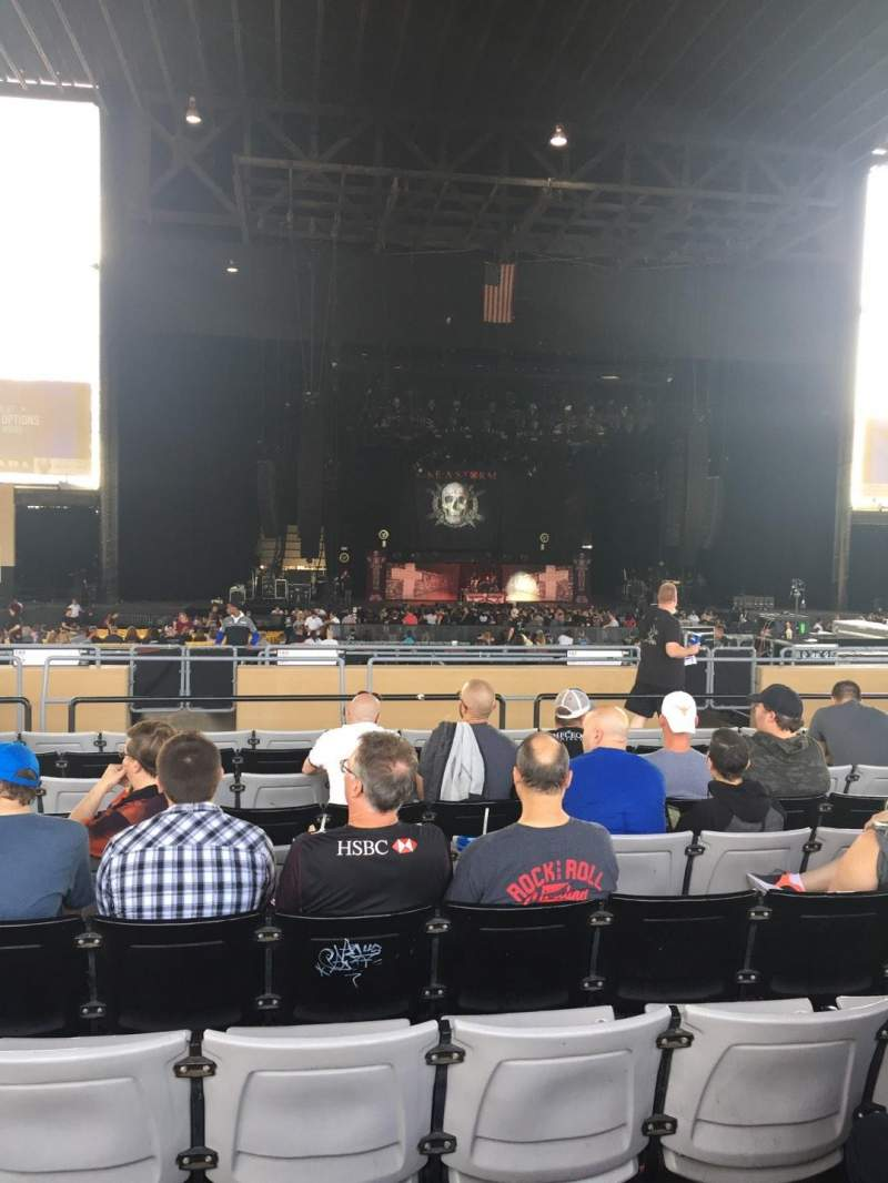 Hollywood Casino Amphitheatre (Tinley Park), section: 205, row: UU, seat: 18