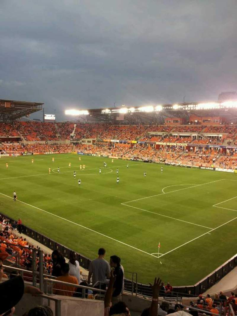 Seating view for Bbva Compass Stadium Section 220 Row d Seat 4