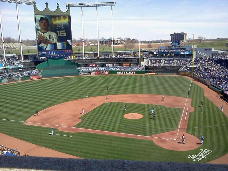 Seating view for Kauffman Stadium Section 415 Row A Seat 3